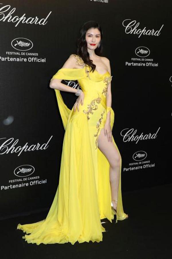 """Thiên thần số 1 châu Á mặc như """"bán khỏa thân"""" trên thảm đỏ Cannes là ai? - 6"""