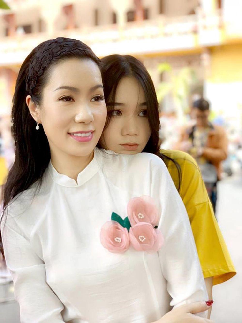 Điểm danh con gái sao Việt xinh đẹp như hoa hậu - 10