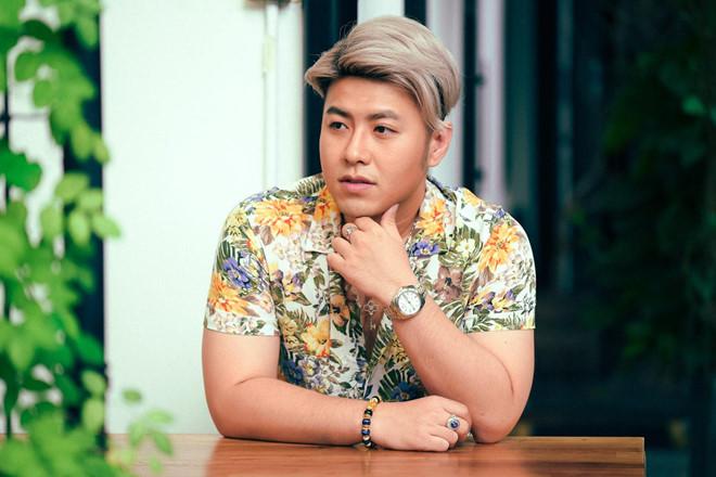 Akira Phan tang can, cao toc va tam nghi hat vi stress hinh anh 2